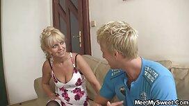La blonde a été baisée par la vendeuse de crème glacée. porno vieux perver